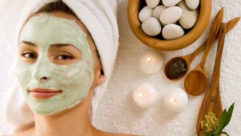 10 best Natural Home Remedies for glowing skin in summer