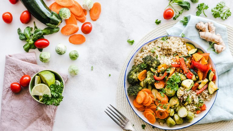 How to start eating healthy foods for a perfect healthy beginning this year