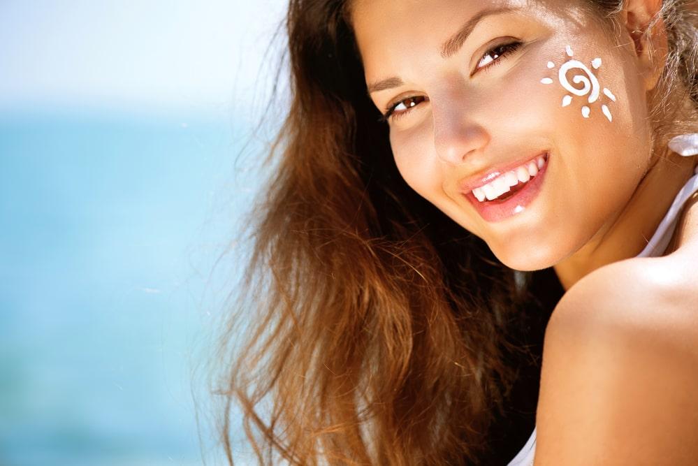 apply sunscreen - summer skin care tips