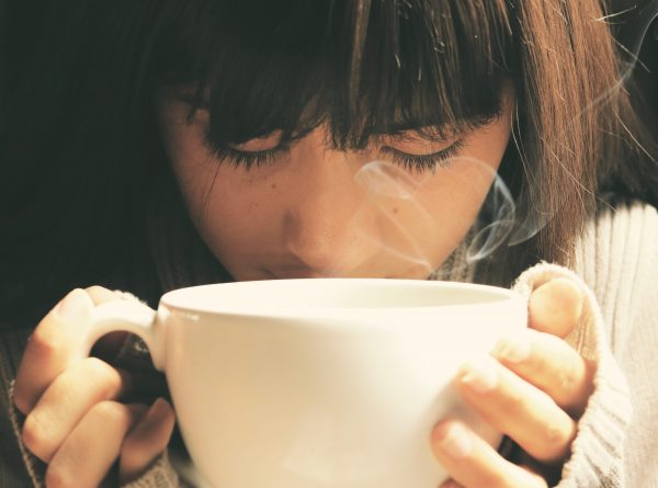 10 surprising benefits of drinking hot water