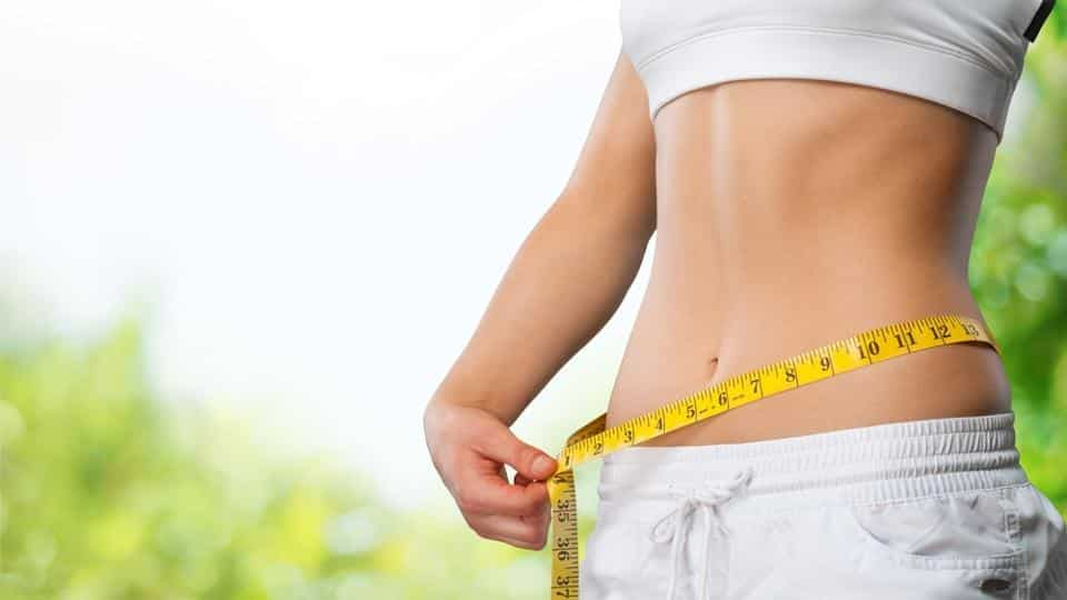 drinking warm water promotes weight loss