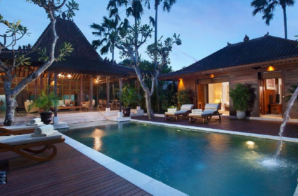 the club villa
