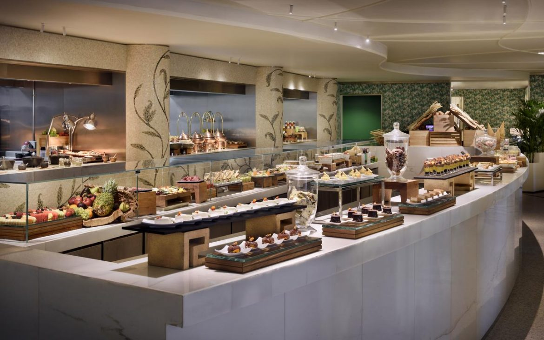 Palazzo Versace Dubai breakfast