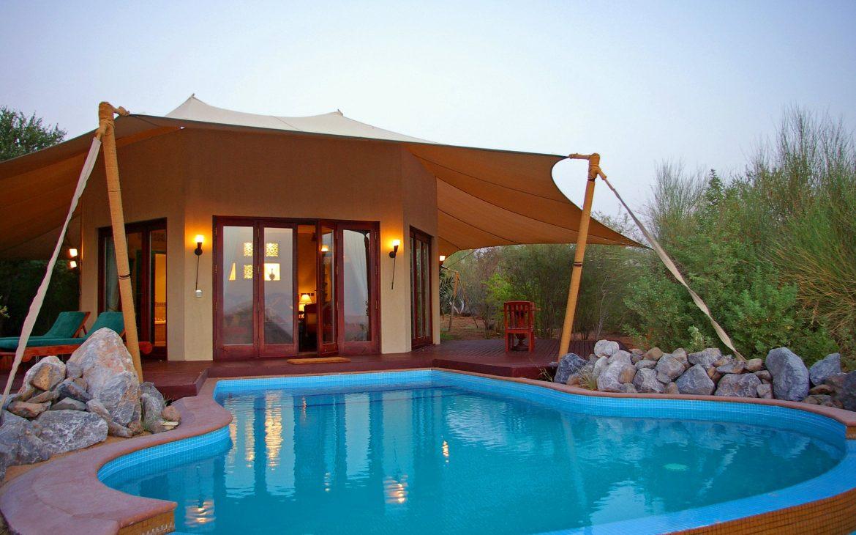 al mahara desert resort room