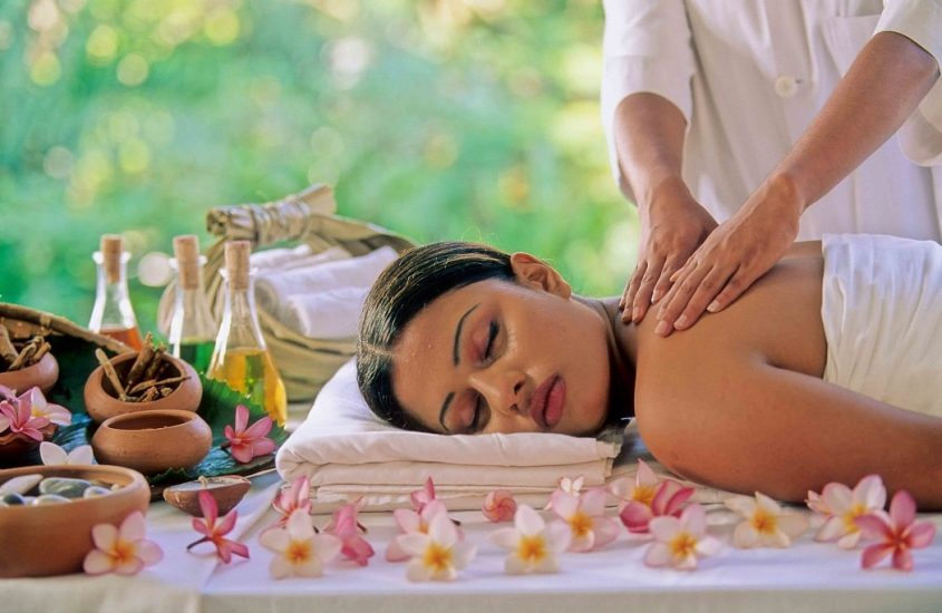 Stay in complete relaxation with Ayurveda benefits on your next trip!