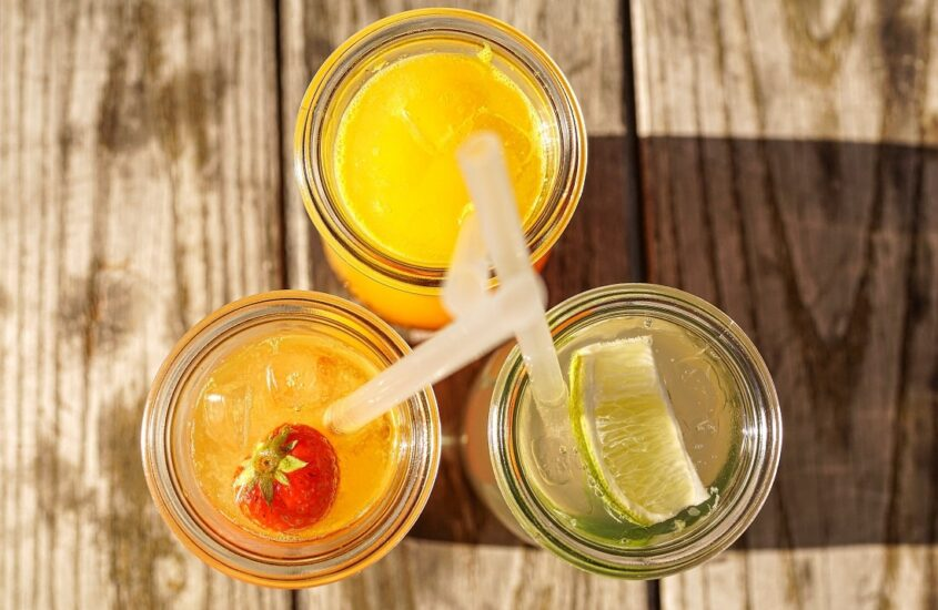 6 refreshing summer drinks you'll love to chill out in scorching heat